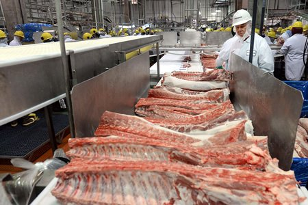 обвальщик мяса в Литве