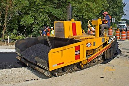 Работа водителя - асфальтоукладчика дорожное строительство в Европе