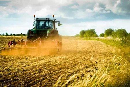 Работа тракториста в Словакии
