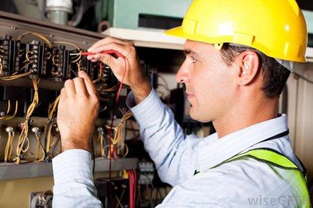 Работа электрика - универсала в Польше - Германии