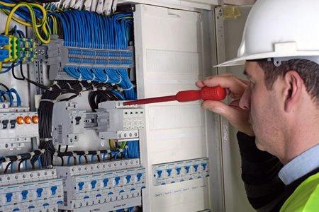 Электрик в Европе