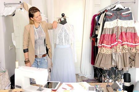 Работа для швеи в ателье по пошиву женской одежды в Португалии