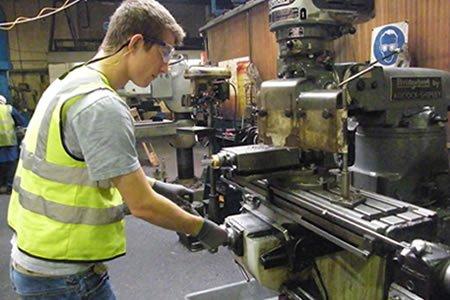 Работа для токаря на производстве в Литве