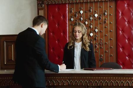 """Работа для администратора отеля""""Серена Резиденс"""" в Болгарии"""