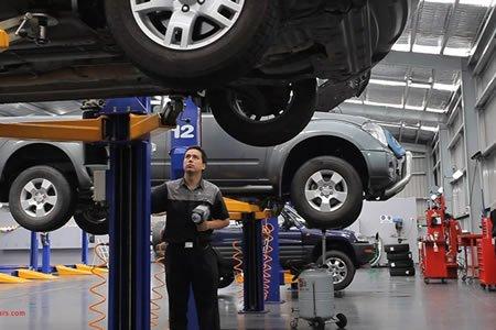 Работа на СТО и в автомагазине