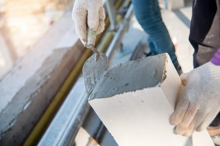 Работа для каменщика на строительстве