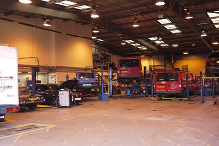 Работа для автослесаря на ремонт легковых автомобилей и автобусов