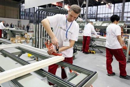 Работа по изготовлению металлопластиковых окон