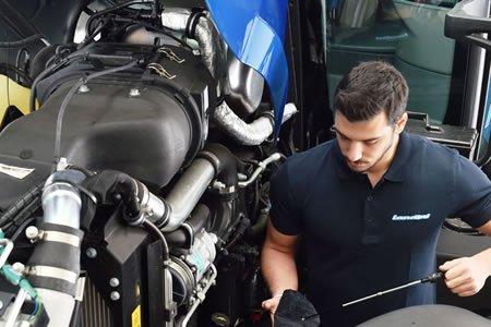 Работа для автомеханика тракторов на автосервисе