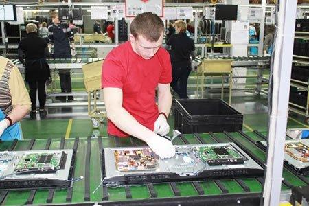 Работа на производстве деталей к телевизорам