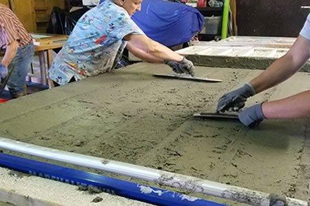Работа на производстве по изготовлению декоративной плитки