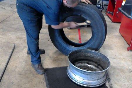 Работа для слесаря-шиномонтажника (грузовые шины) в автосервие