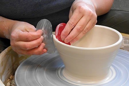 Работа для гончара на производство керамической посуды