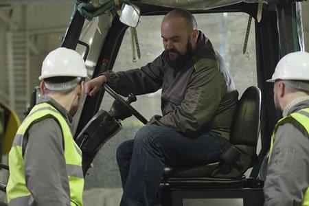 Работа для тракториста на производстве