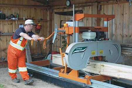 Работа на деревообрабатывающем предприятии