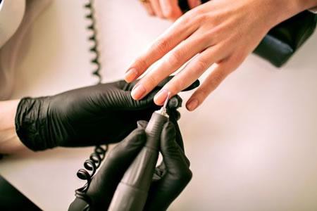 Работа для мастера ногтевого сервиса в салон красоты