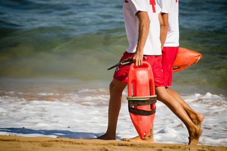 Работа для спасателя людей на море