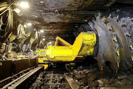 Работа по ремонту горного оборудования