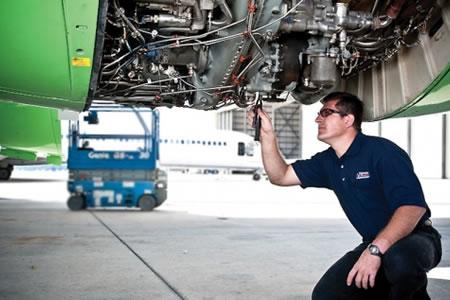 Работа для авиатехника по обслуживанию воздушного судна