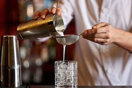 Работа для бармена в ресторане