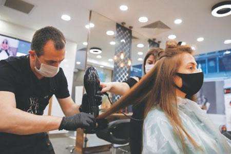 Работа для парикмахера-универсала в салон красоты