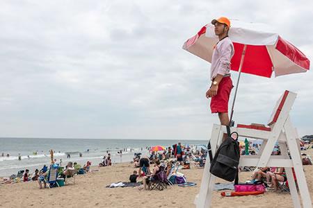 Работа для спасателя людей на пляже
