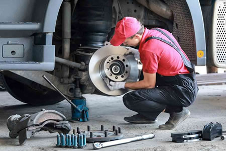 Работа для автослесаря грузовых автомобилей в автосервисе
