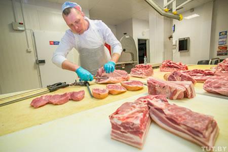 Работа для разборщика мяса, мясник на производстве