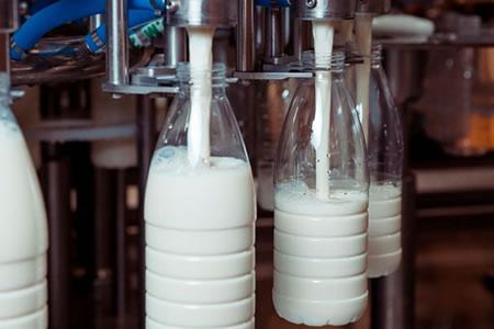 Работа для оператора линии розлива молока и молочной продукции в бутылки