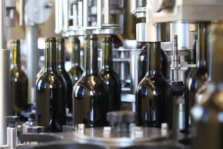 Работа на упаковку винной продукции
