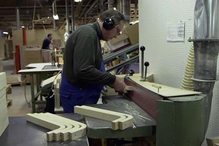 Работа для станочника по изготовлению гнутой мебели